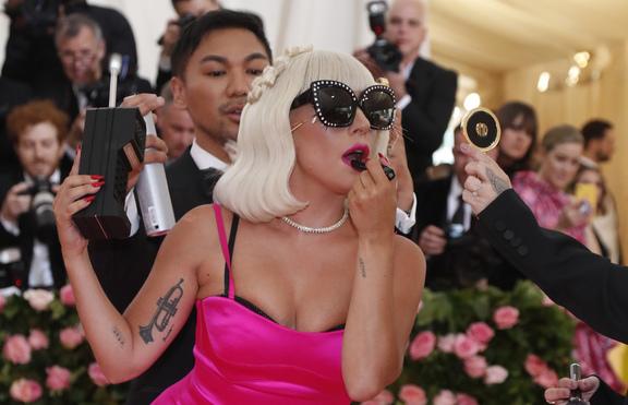 Лейди Гага пак без гадже