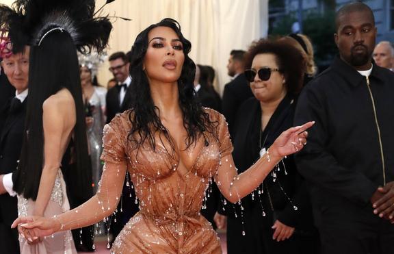 Ким Кардашян: Спирам със снимките по бельо!