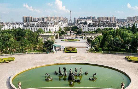 Китайците вече копират и градове: Фалшивият Париж