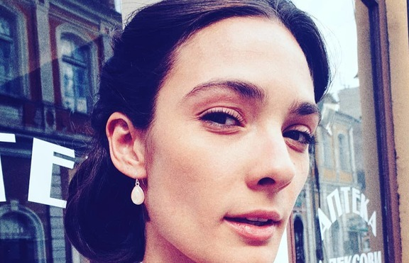 Сгодена ли е Лорина Камбурова?