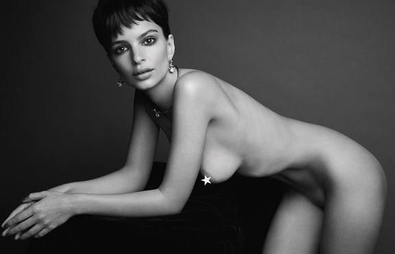 Естествени тела: Емили Ратайковски, Ашли Греъм и други – голи