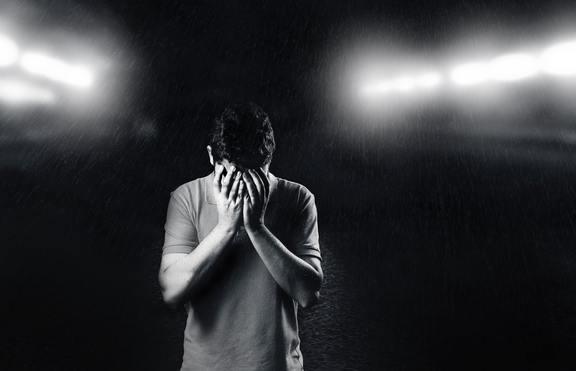 Според зодията: Какво може да накара мъжете да плачат?