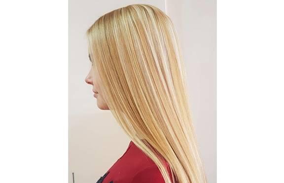 Какво причиняваме на косата, когато я изправяме?