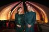 Хит или Шит: Принц Уилям и Кейт с пакистански одежди