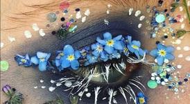 Цветя като грим