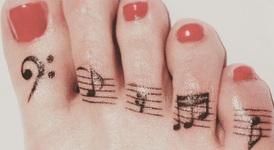 Татуировки за краката